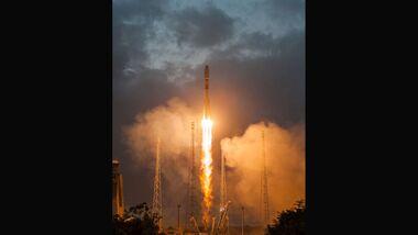Lift-Off der ersten sechs OneWeb-Satelliten