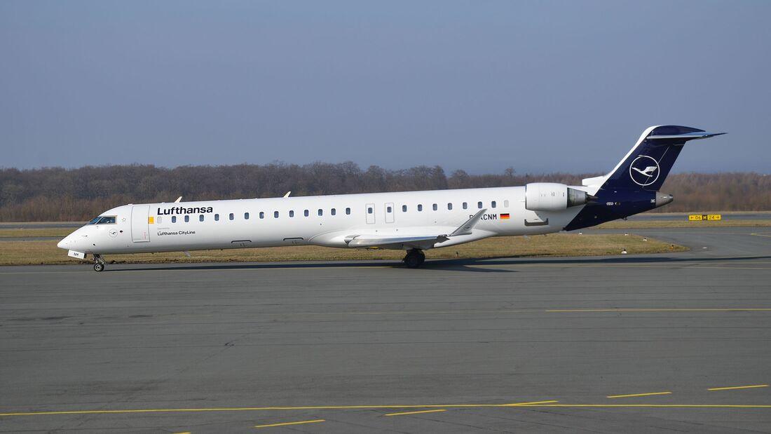 Lufthansa fliegt mit CRJ900 wieder von Paderborn nach München.