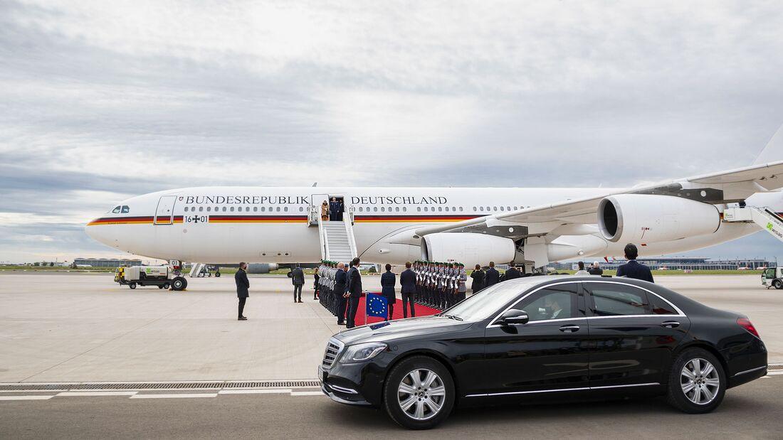 Mit einer A340 übte die Flugbereitschaft den Empfang von Staatsgästen in Schönefeld.