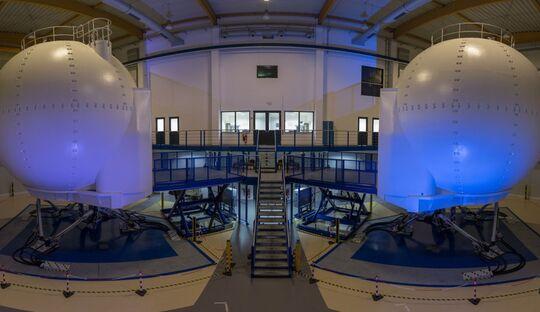 NH90-Simulatoren bei Helicopter Flight Training Services in Bückeburg.