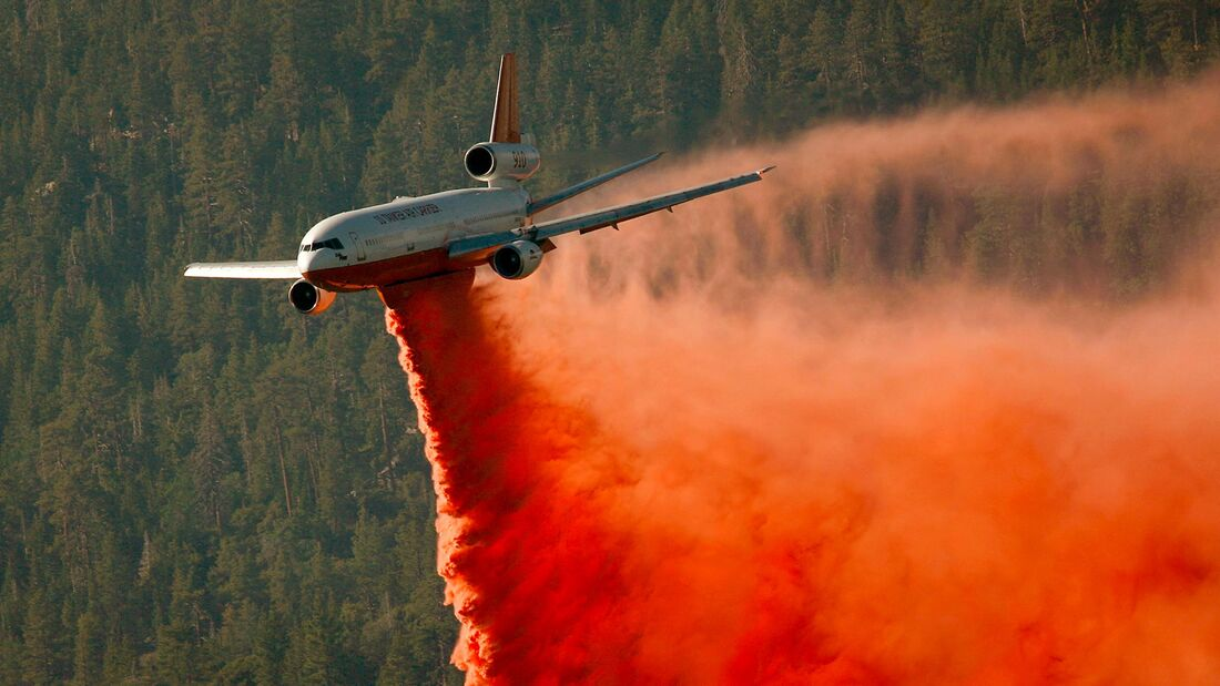 Piute Wildfire Burns In The Sequoia National Forest