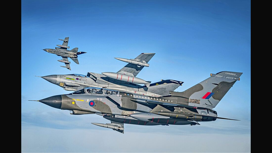 ROYAL AIR FORCE RELEASES STUNNING IMAGES OF ICONIC TORNADO FAST JET