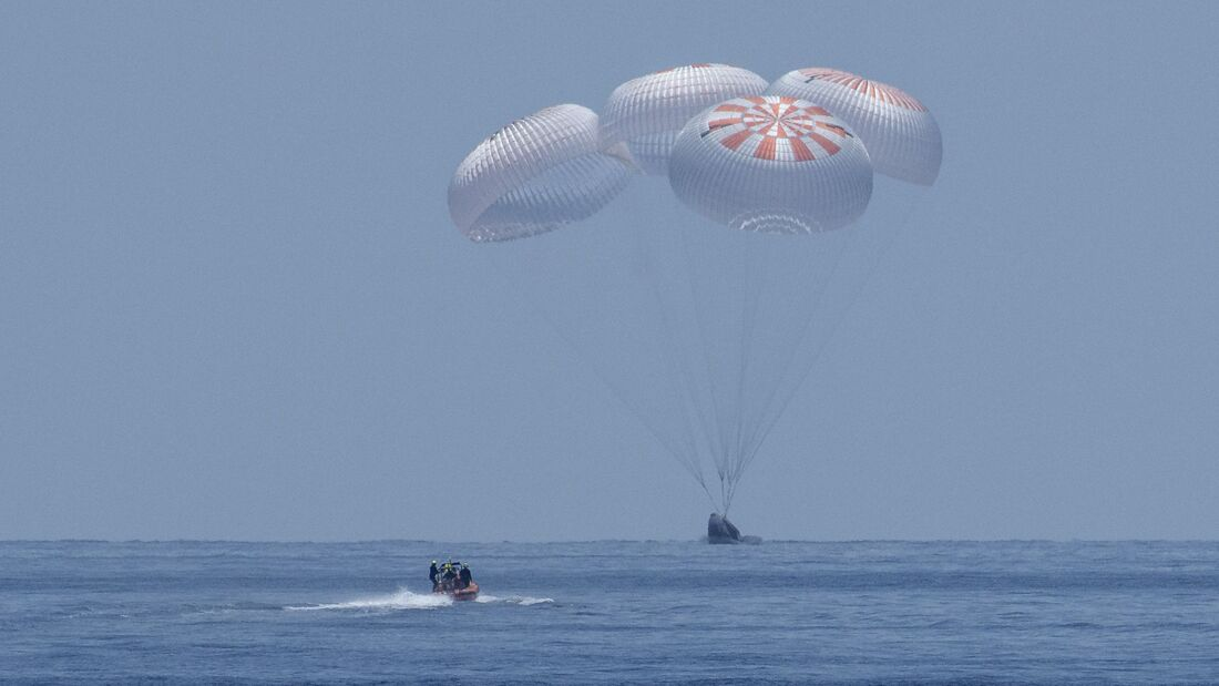 SpaceX Demo-2 Landing
