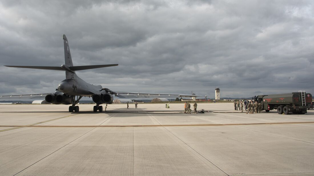 Spangdahlem refuels BTF bombers with VIPER kit for first time
