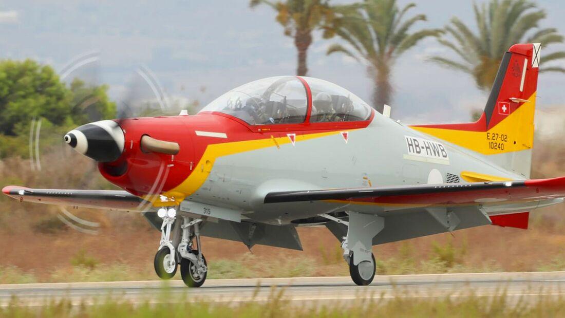 Spanien hat seine ersten beiden Pilatus PC-21 in San Javier in Empfang genommen.