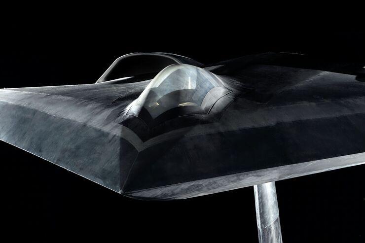 Nationale Deutsche Entwicklung: Airbus zeigt Stealth-Testmodell LOUT - FLUG REVUE
