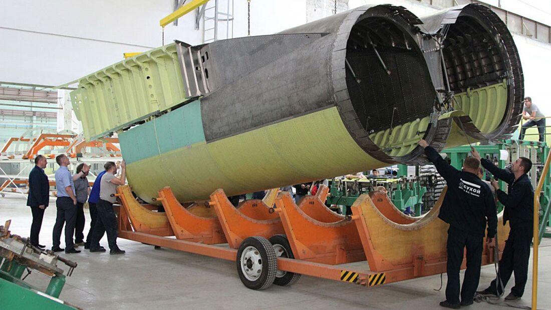 Triebwerksgondel für den Tupolew Tu-160M-Bomber, gebaut in Nowosibirsk.