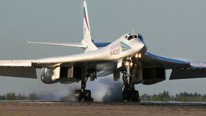 Tupolew Tu-160 benannt nach dem Chefkonstrukteur Valentin Iwanowitsch Bliznjuk