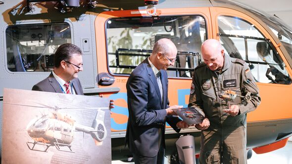 Übergabe des ersten H145 LUH SAR bei Airbus Helicopters in Donauwörth am 10. Dezember 2019.