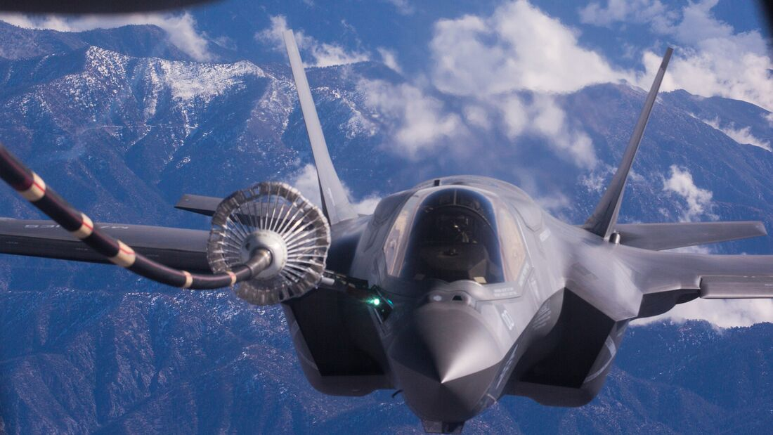VMFA-121 makes its maiden voyage to Japan