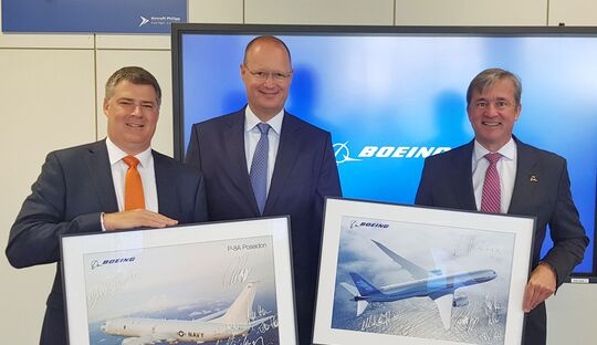 Von links nach rechts: Michael Hostetter, Vice President Boeing Defense, Space & Security, Germany, Rolf Philipp, CEO Aircraft Philipp Group, Dr. Michael Haidinger, President Boeing Deutschland